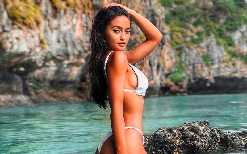 beautiful mexican woman in bikinis